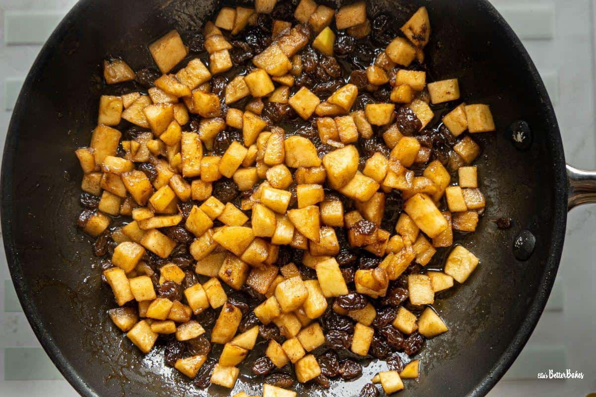 apple and sultana mixture cooked