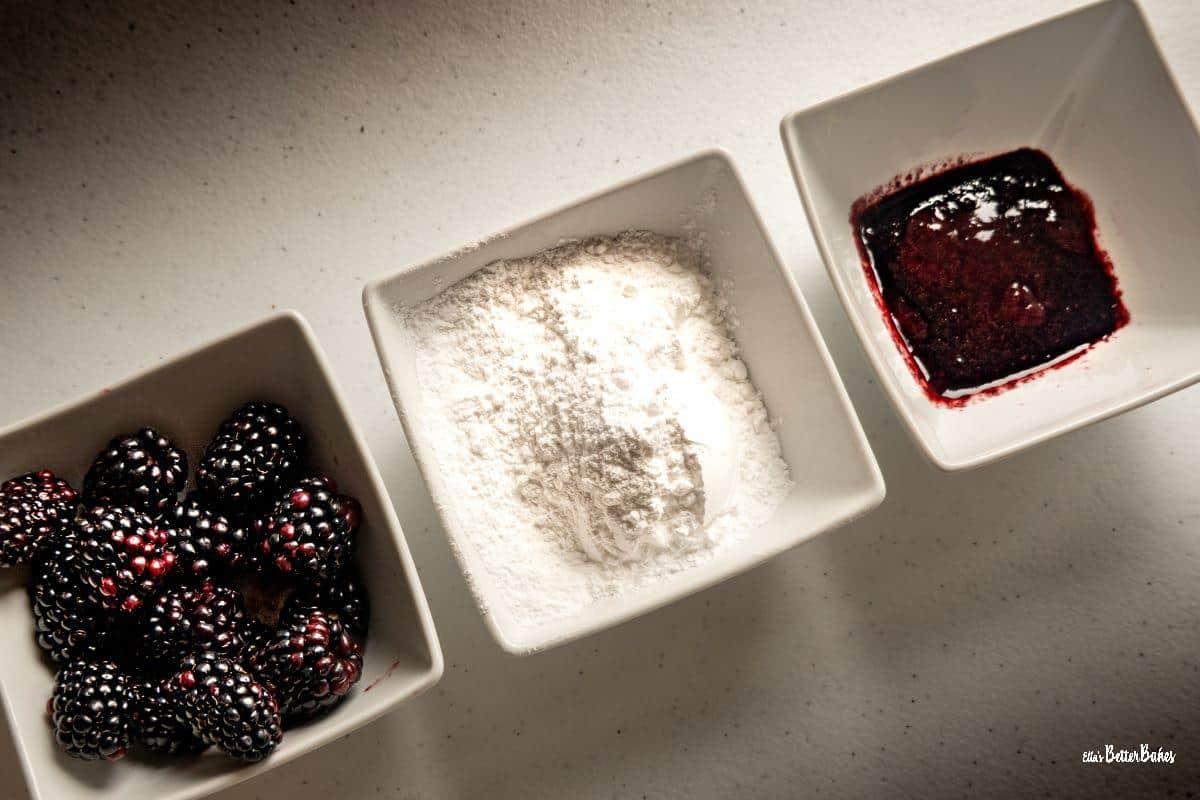 blackberries, icing sugar and blackberry juice